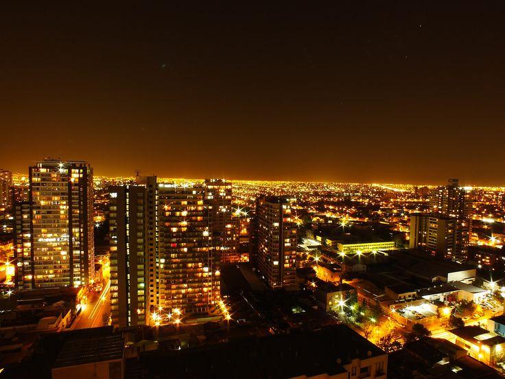 Santiago de noche. Foto de Francisco Millacura Cáceres.