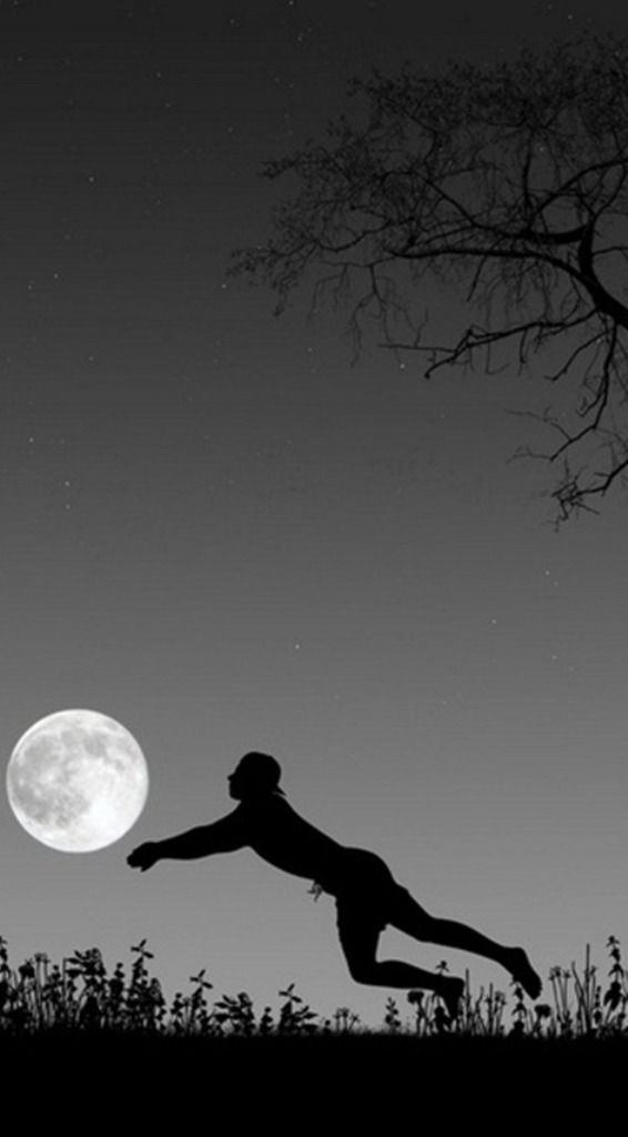 Las cosas se crean en el mundo mental o espiritual sean palestra en que aparecen en el acto o evento hacia el exterior. Por el simple proceso de gobernar nuestras fuerzas de pensamiento hoy, ayudamos a crear los eventos que entrarán en nuestras vidas en el futuro, tal vez mañana. Educado deseo es el medio más potente de la puesta en acción de la ley de la atracción. --Charles Haanel