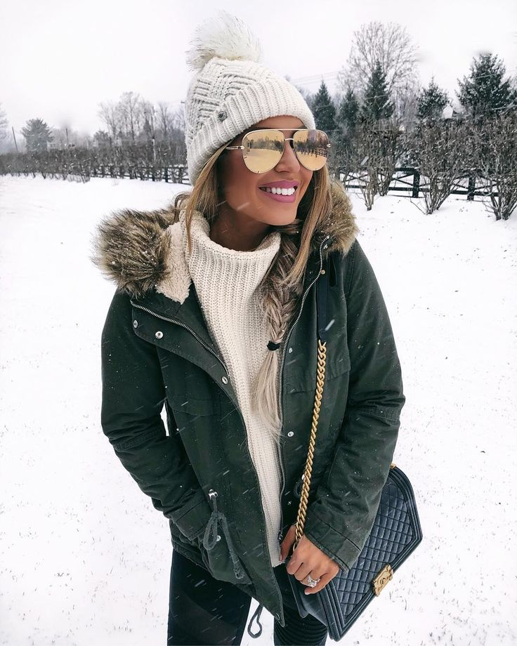 """1,540 Likes, 30 Comments - Hollie Woodward (@holliewdwrd) on Instagram: """"Snow Day ❄️❄️❄️ My olive parka is only $59! Linking outfit details here: @liketoknow.it…"""""""