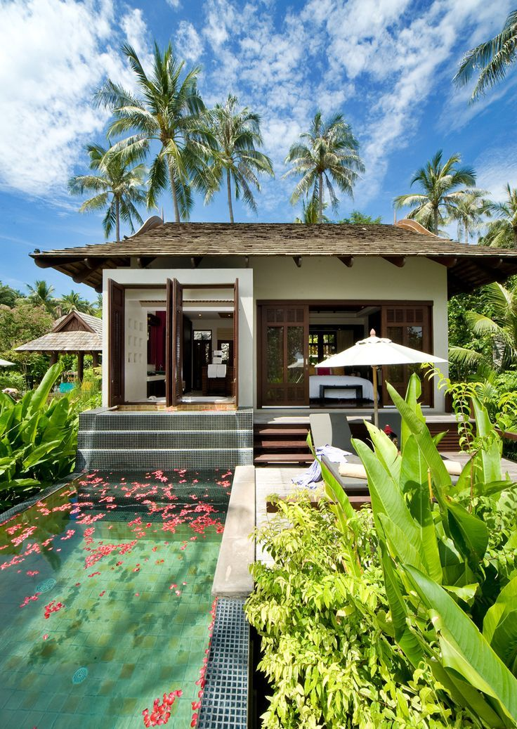 Bhundhari Spa Resort & Villas, Samui is idyllic set on a sloping hillside leading down to the famous beach of Chaweng. The Southern Thai house design of the resort lends itself to a comfortable and natural feel, while the contemporary interiors offer sheer indulgence.: