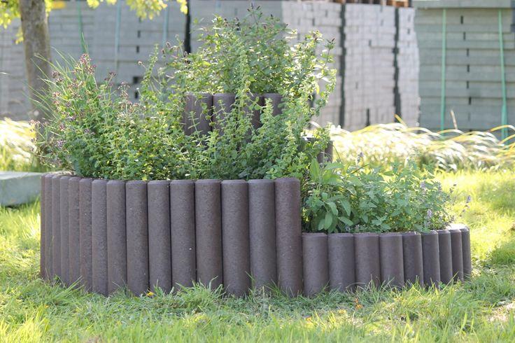 kr uterschnecke hochbeet wetterfest aus recycling kunststoff blumenk bel aus recycling. Black Bedroom Furniture Sets. Home Design Ideas