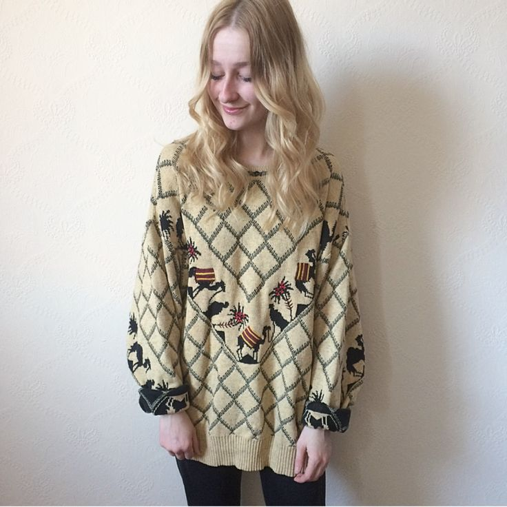 Amazing camel jumper 😍🐫 vintage 80s unisex genuine Carlo Colucci knit - oversized cosy jumper, camel coloured with funky camel design on both sides! Very soft fabric, probably acrylic or a mix. In great laundered vintage condition, the odd tiny snag but nothing noticeable. Size L-XL. I'm size 8 for reference. 🐪£3 UK P&P🐪