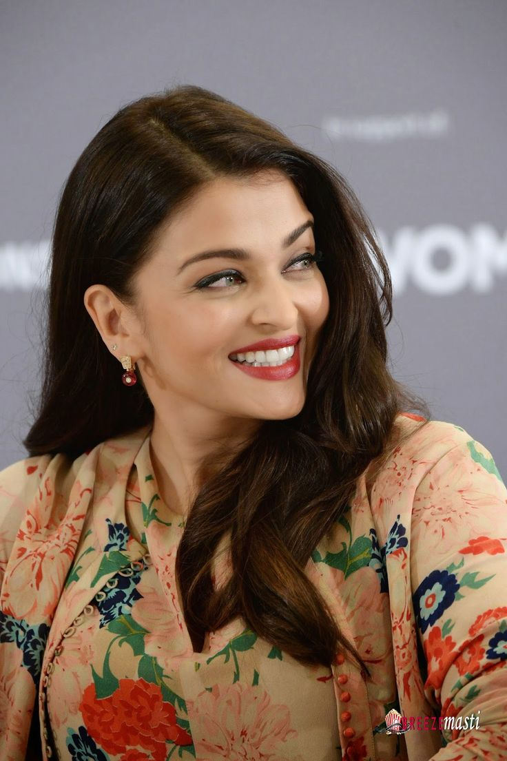 Aishwarya Rai glamorous pictures at Variety Celebration Of UN Women at Radisson Blu In Cannes-13