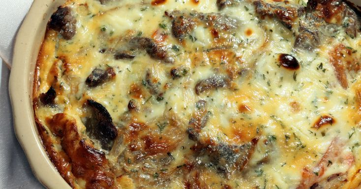 Nothing Fills You And Warms You Up Like This Cheesy Steak Bake!