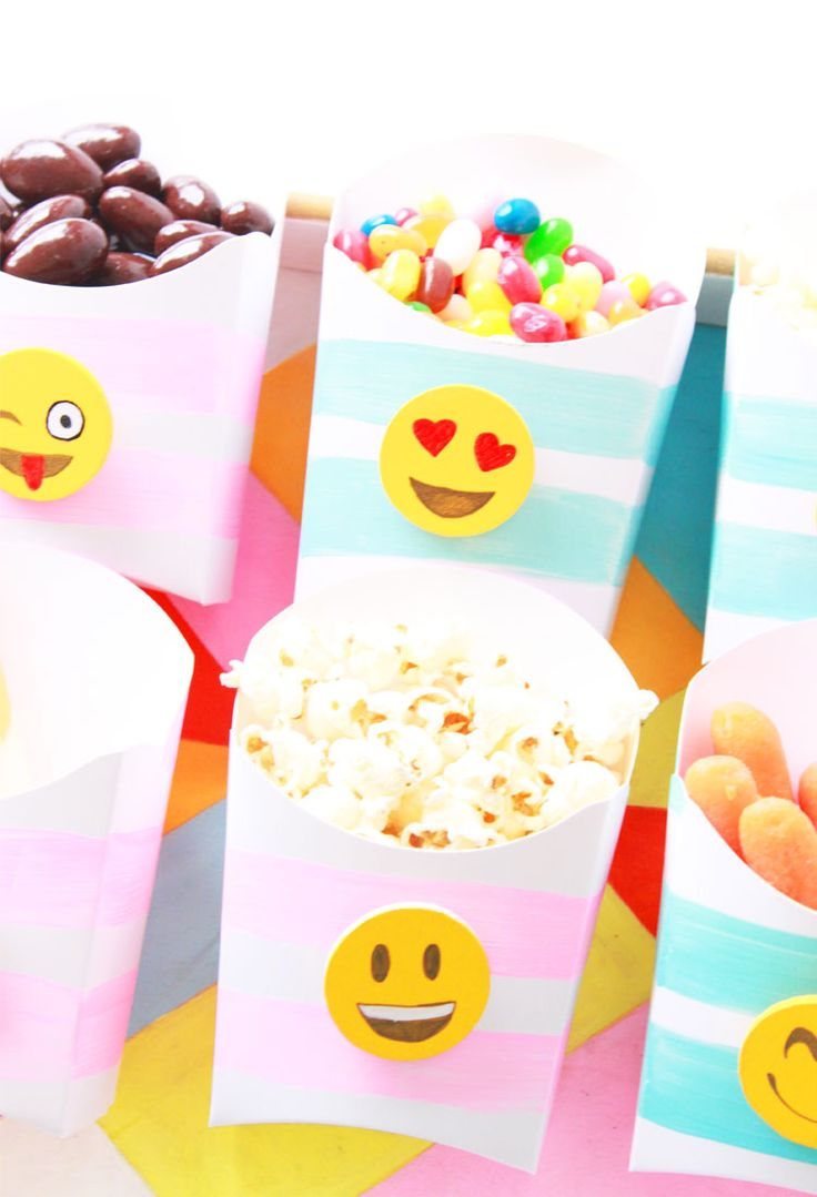 Diy emoji snack boxes so much fun for a party project for Decoration emoji