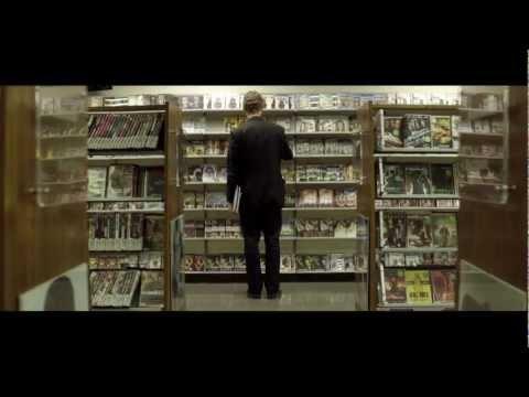 """PressPausePlay — фильм о том как цифровая революция изменила мир  """"URL:http://www.youtube.com/watch?v=-rvlaTg3vPg."""" в оригинале."""