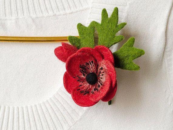 Feltro di colore rosso fiore spilla Anemone fiori di TaniaFelt
