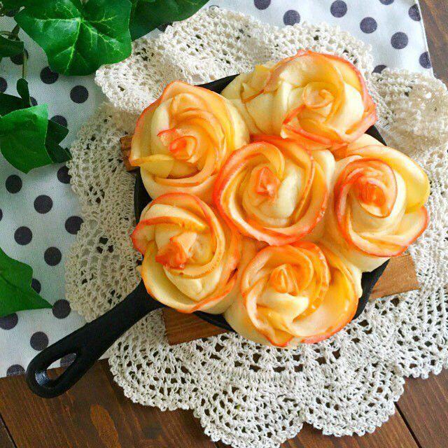 """スキレット1つで出来る。食卓が華やぐ簡単""""ちぎりパン""""レシピ&アレンジ集   by.S"""