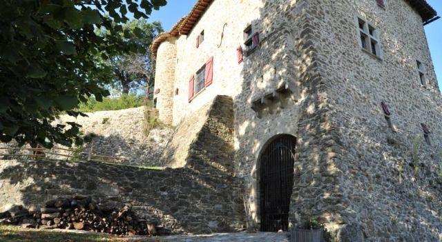 Château Le Combet - Chambres d hôtes - #BedandBreakfasts - EUR 58 - #Hotels #Frankreich #LaRepara http://www.justigo.de/hotels/france/la-repara/chateau-le-combet-chambres-d-ha-tes_52685.html