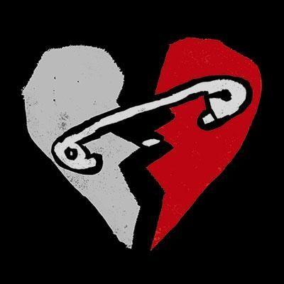 Aan elkaar gemaakt gebroken hart.