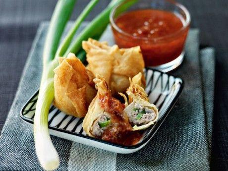 Dumplings med fläsk  och plommonsås Receptbild - Allt om Mat