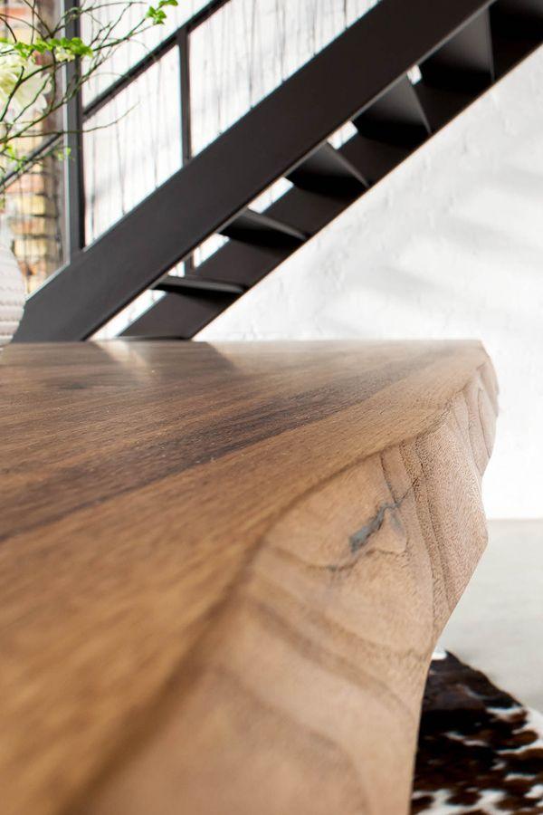 Tischplatte massivholz baumkante  Nussbaum Tischplatte mit natürlicher Baumkante. Wir fertigen Ihre ...