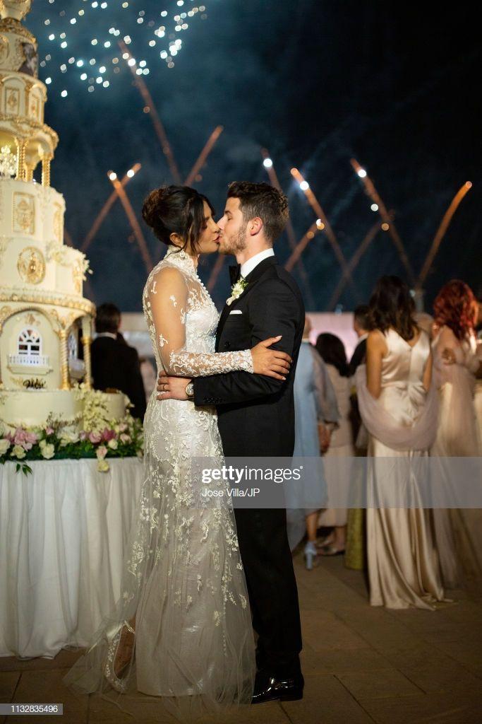 News Photo Priyanka Chopra And Nick Jonas Kiss At Wedding On Priyanka Chopra Nick Jonas Jonas