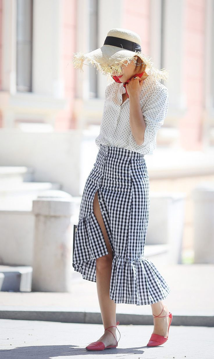 ruffle skirt outfit, hot summer outfit ideas, gingham ruffle skirt outfits