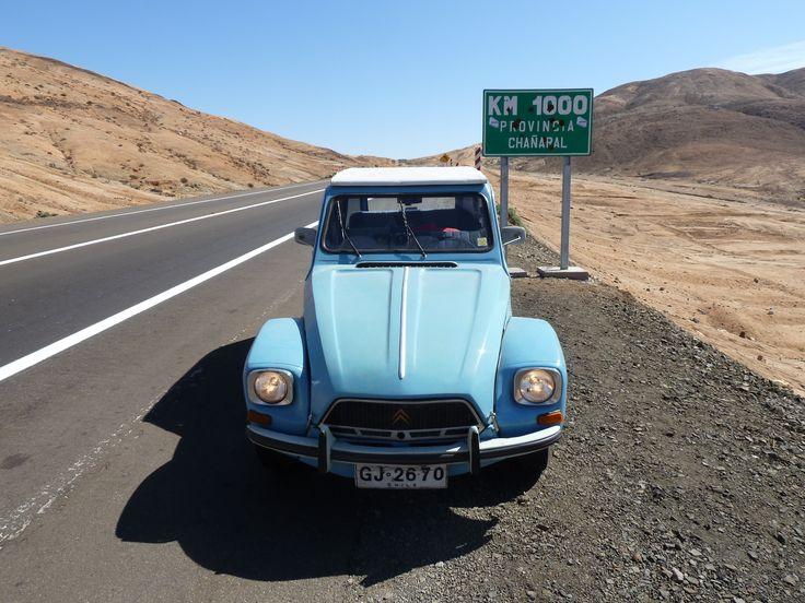 Citroen Dyane 6 de 1968 en el Km 1000 del desierto te Atacama.