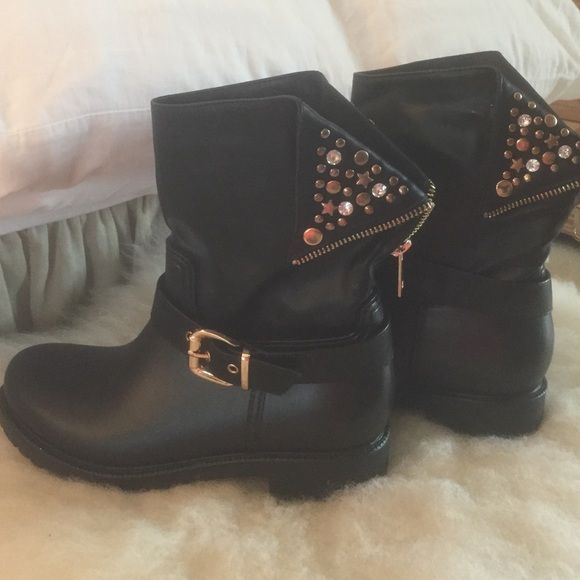 CLEARANCE Rain Boots w/Buckles and Bling Like new ankle boots that can be zipped higher. Soft lining on inside Nature Breeze Shoes Ankle Boots & Booties