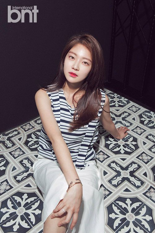 Gong Seung Yeon - bnt International August 2015