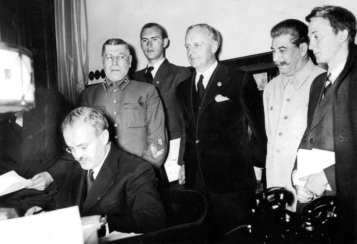 75 years Hitler-Stalin Pact : Germany distorted view | 75 Jahre Hitler-Stalin-Pakt : Deutschlands verzerrter Blick < article in german to translate in google if interested on