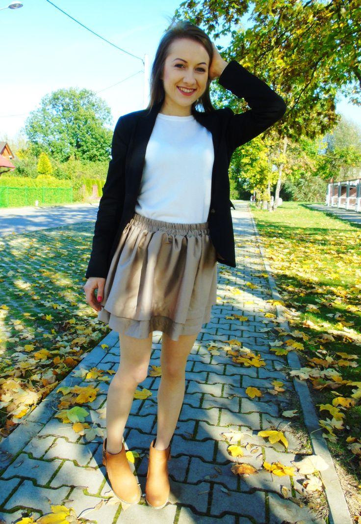 Witajcie !   Wreszcie doczekałam się słońca! :)  Uwielbiam taką jesień. Mimo, iż ogólnie jest dość zimno i wietrznie, słońce daje mi tyle na...