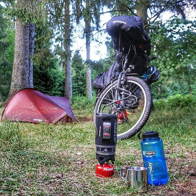 My camp last night. Testing the Nordisk Lofoten 1 UL tent. 🏕🚴  .  #cycling #riding #bicycle #fahrrad #fahrradfahren #radtour #bike #bikepacking #biketour #biketouring #bikewander #tent #nature #morningride #forest #norwid #nordisk #outdoor #picoftheday #instamood #igers #overnighter #camping