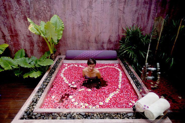 Spa Bathtub, Anantara Bophut Resort & Spa, Bophut, Koh Samui, Thailand.