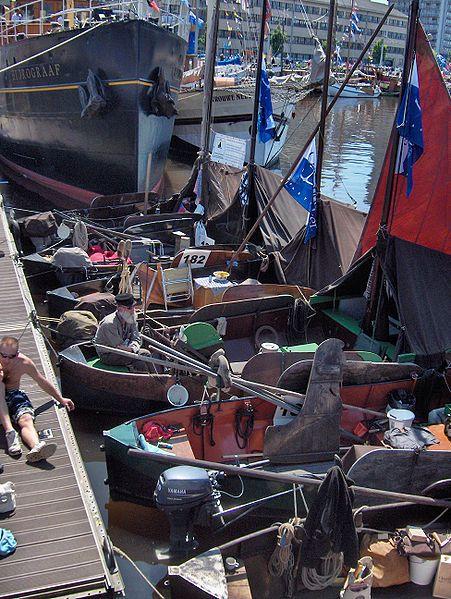 File:Zalmschouw.Oostende voor Anker2009.001.jpg