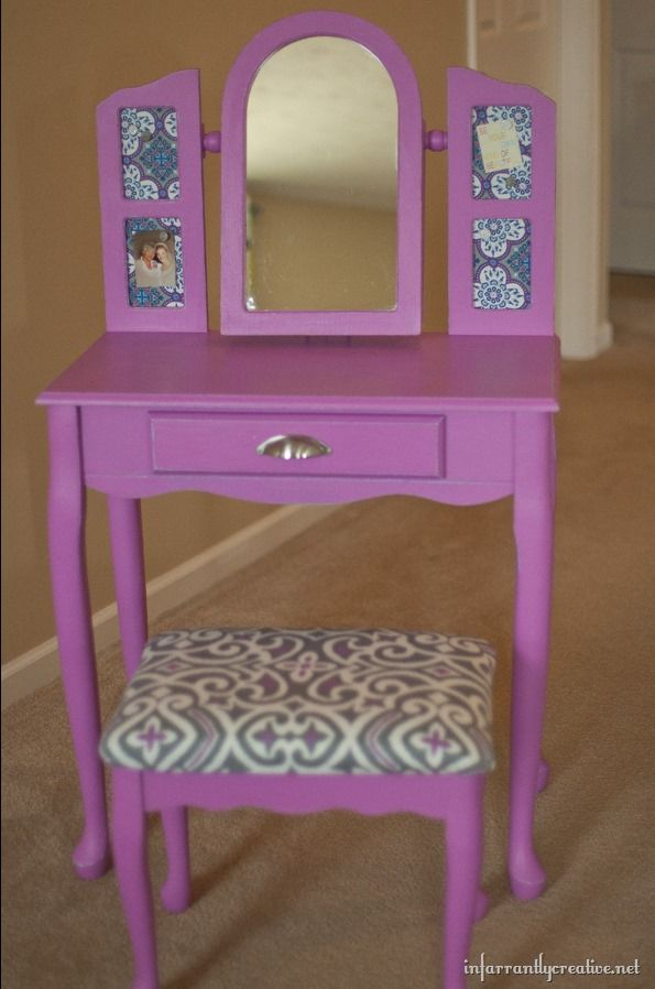 Radiant Orchid Painted Vanity | @Beckie Farrant {infarrantly creative} #LowesCreator