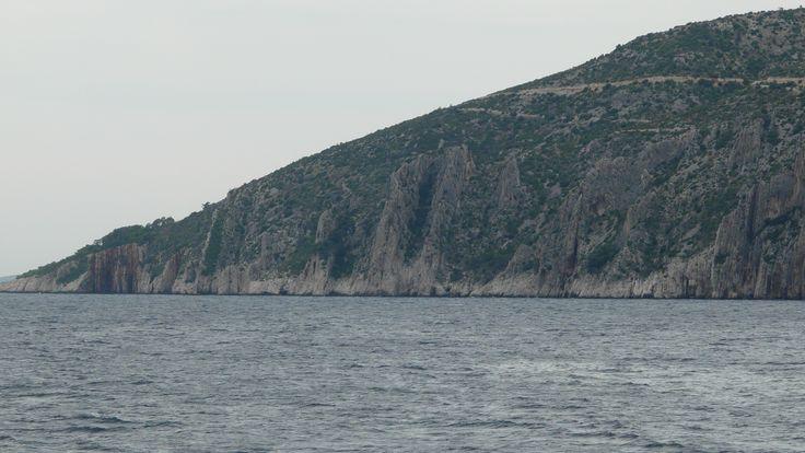 Hvar – górzysta wyspa u wybrzeży Chorwacji. Wyspa Hvar jest długa i wąska. http://www.chorwacja24.info/zdjecia/hvar #hvar #chorwacja #croatia