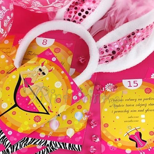 Jak zorganizować udany wieczór panieński? Zobacz karty do gry na wieczór panieński, dzięki którym rozkręcisz swoją imprezę! :) PinkDrink.pl