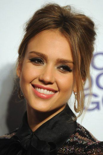 Make up : la check-list de Jessica Alba. - Marie Claire