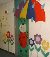 spring classroom door: Decor Ideas, Doors Ideas, Classroom Doors Decor, Classroom Decor, Spring Decor, Bulletin Boards, Hall Decor, Classroom Ideas, May Flowers