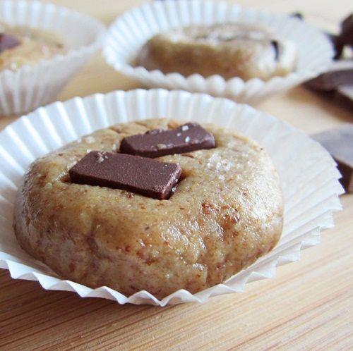 Salted No Bake Chocolate Chunk Cookies: Raw, Dairy-Free, Gluten Free blissBaking Chocolates, Baking Cookies, Free Bliss, Chocolates Chunk, Dairy Free, Gluten Free, Chunk Cookies, Healthy Treats, Diet Recipe