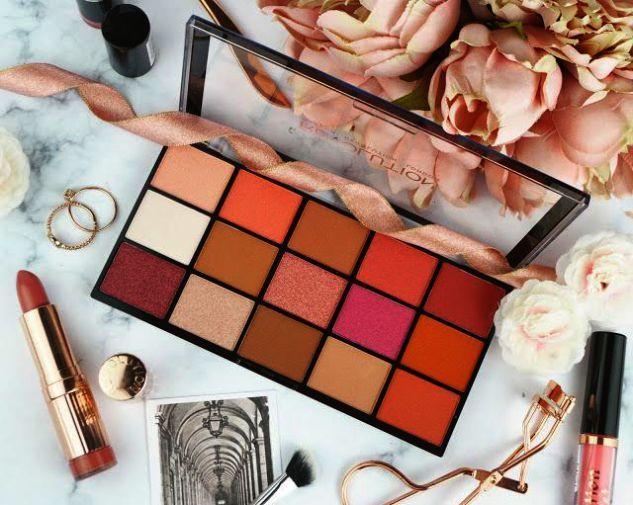 Makeup Set All Items Between Makeup Mirror Plus Makeup Kit Name And Use Makeup Revolution Makeup Kit Images Silicone Makeup