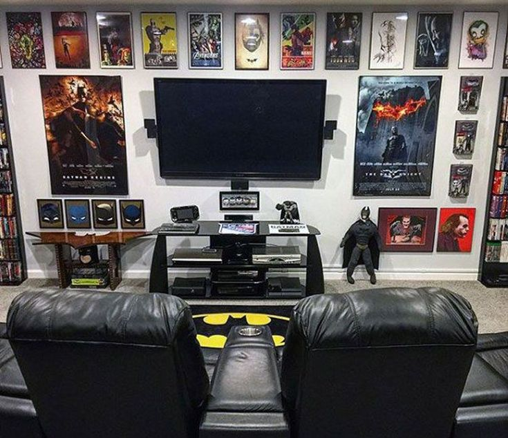 40 Best Video Game Room Ideas + Cool Gaming Setup (2019 Guide) #gamingrooms Batman Themed Video Game Room – Best Video Game Room Ideas: Cool Gaming Se…