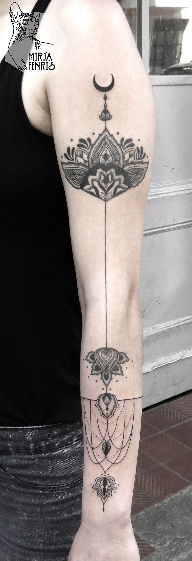 die besten 25 kreuz tattoo am handgelenk ideen auf pinterest einfache kreuzt towierung. Black Bedroom Furniture Sets. Home Design Ideas