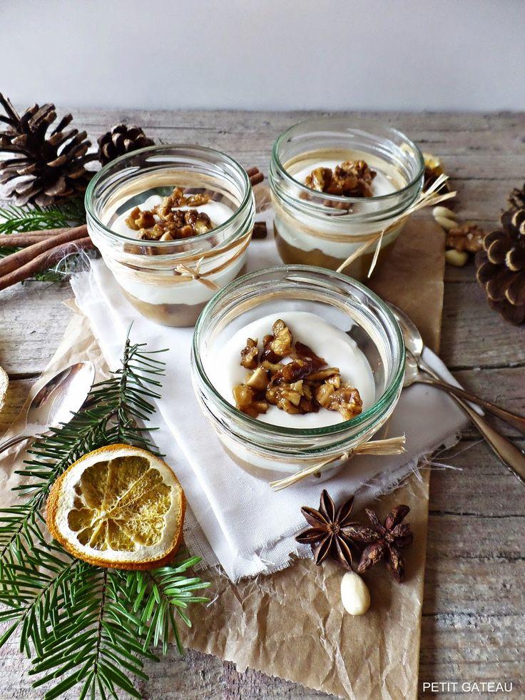 Weihnachtsdessert - Bratapfelkompott mit leckerer Mascarponecreme und Knuspernüssen