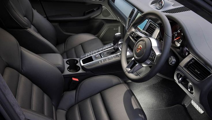 Peter Barnwell road tests and reviews the 2014 Porsche Macan Turbo.