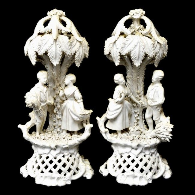 A PAIR OF BLANC DE CHINE FIGURAL SCULPTURES larista :: Белый фарфор.17-20 век.