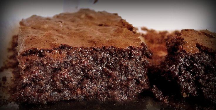 Brownie! Um delicioso doce de chocolate que agrada a todos os paladares. Essa receita transformou o ainda garoto Luiz em um dos mais jovens e bem sucedidos