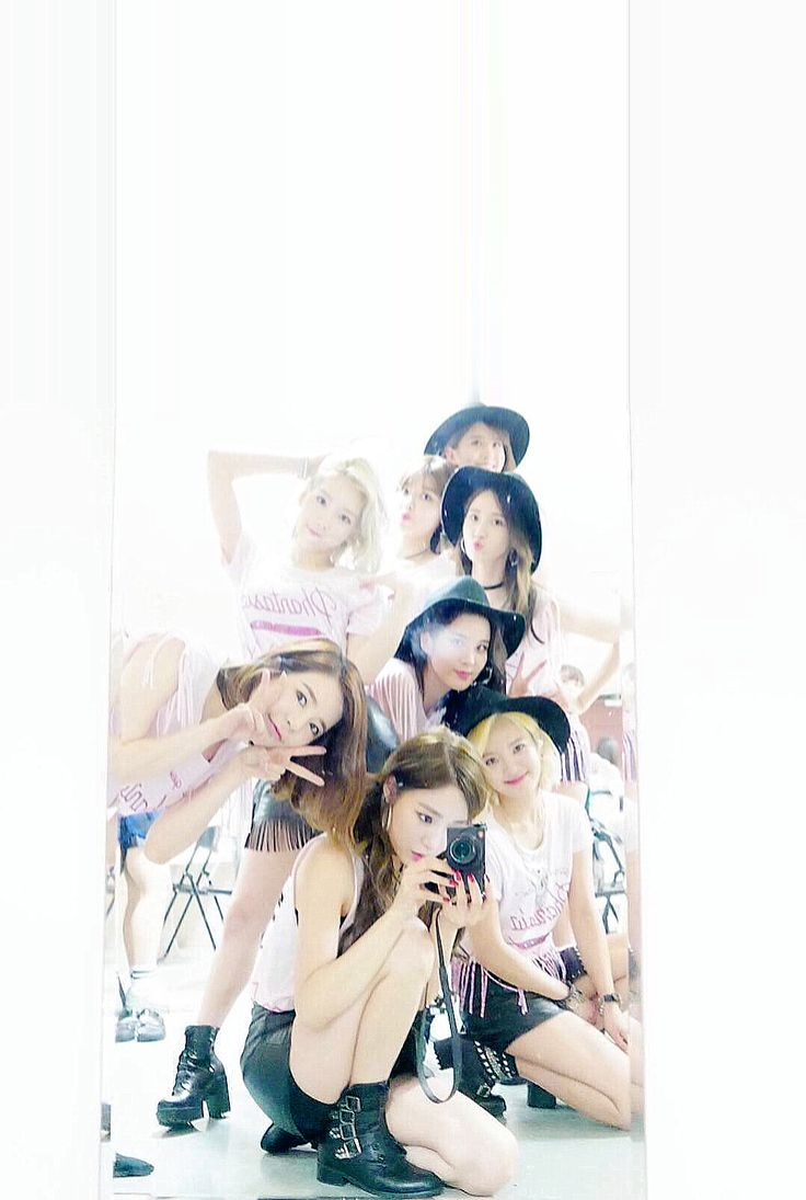 Girls Generation the 4th Tour 'PHANTASIA' in TaiWan SNSD IPhone Wallpaper