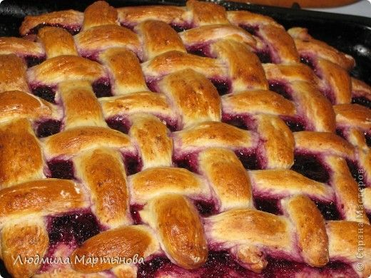 Сладкие пироги из слоёного теста