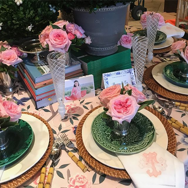 So delighted to embroider our own Antique Alphabet Ts, in @ctaylormiller 's favorite pink and coral, on napkins for the @shophazen table at @kappatablescapes. Along with floral arrangements by @parkcitiespetals and tablecloth fabric by @caitlinwilsondesign, I'd say it was one swell table!! #sewsewswell #antiquealphabet #embroideryart #embroiderydigitizing #customembroidery #kappatablescapes #napkins #monogrammednapkins #tablescape