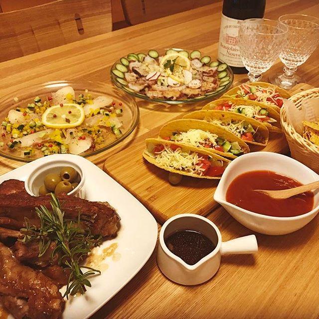 """🍅 #今日の夕食 🍅 今日の夕食はタコス🌮🌮🌮 スペアリブもコトコト煮込んだ後オーブンで焼いてめっちゃホロホロで美味しくできました〜(๑╹◡╹)ノ"""" #おうちごはん  #おうちカフェ #うちカフェ #美味しい #めっちゃ美味しかった #うまい  #Instagram #iInstapic #food #Instafood #japanesefood  #japan  #タコス #メキシコ料理 #スペアリブ #spareribs #肉 #お肉 #夕食 #ディナー #dinner #カルパッチョ #carpaccio #鮮魚 #seafood #シーフード #お酒  #ワイン  #wine"""
