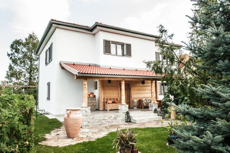 Moderne Tradition  Dieses Einfamilienhaus in Niederösterreich erfüllt den Traum eines jeden Häuslbauers. Die Kombination aus rustikalem Design und modernen Elementen passen perfekt zueinander.