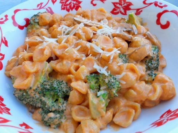 Pasta House Pasta Con Broccoli (Actual Recipe) from Food.com: This is the acutal recipe (not a copycat) as posted on their website and as printed in the St. Louis Post Dispatch.  This is so yummy and is a St. Louis tradition.  This recipe serves 2, so feel free to double or triple it to feed your family.  Serve as a main dish (as they do) with a Pasta House Salad on the s...