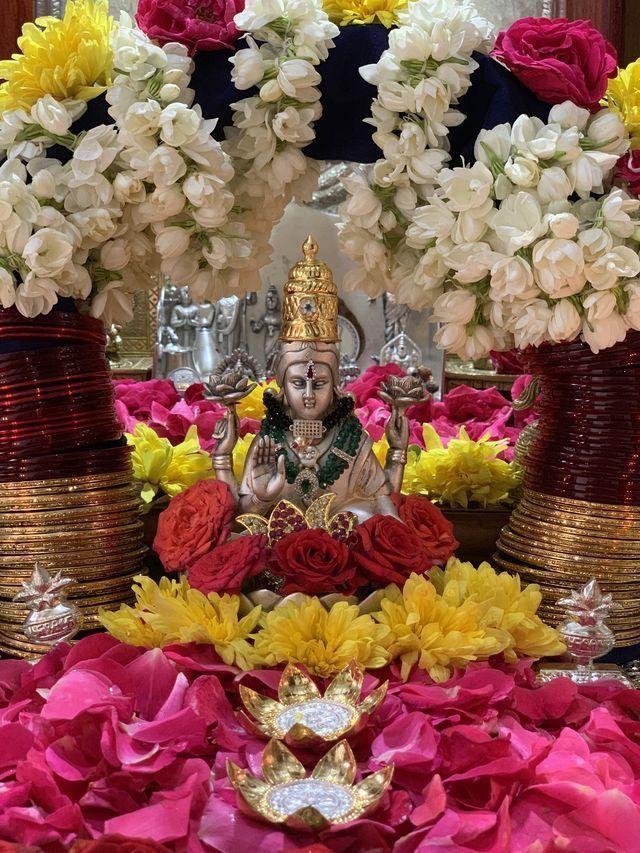 🙏🥀🌺🥀🌺 | Goddess decor, Mandir decoration, Diwali ...