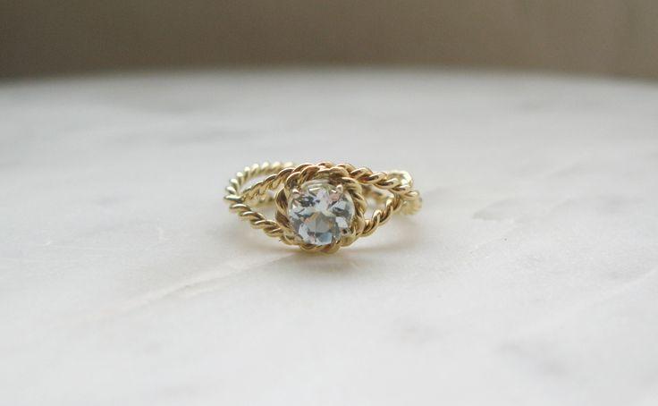 Romantic, modern, gold ring with blue aquamarine by Yuvel / romantyczny, nowoczesny, złoty pierścionek z niebieskim akwamarynem od Yuvel. www.yuvel.pl