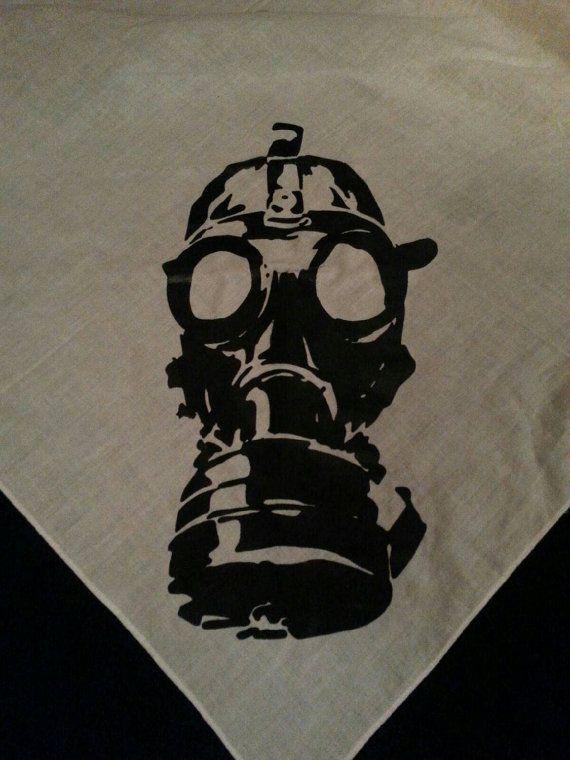 Apocalypse masque à gaz Bandana sérigraphié par tinylittlehead