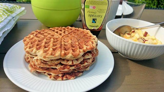"""Jeg er passioneret madnørd og elsker at lave alverdens mad og bage brød og kager. Det er mad med stor kærlighed og glæde- men også med fokus på sundhed og udnyttelse af de ingredienser jeg har. Jeg bruger timevis i køkkenet og nyder at afprøve opskrifter og få nye smagsindtryk. Håber også du kan finde inspiration her på siden! Du er velkommen til at kontakte med mig på:sbh3008""""snabela""""gmail.com Hvis du kan lide min blog vil det glæde mig at se dig som """"fast læser""""."""