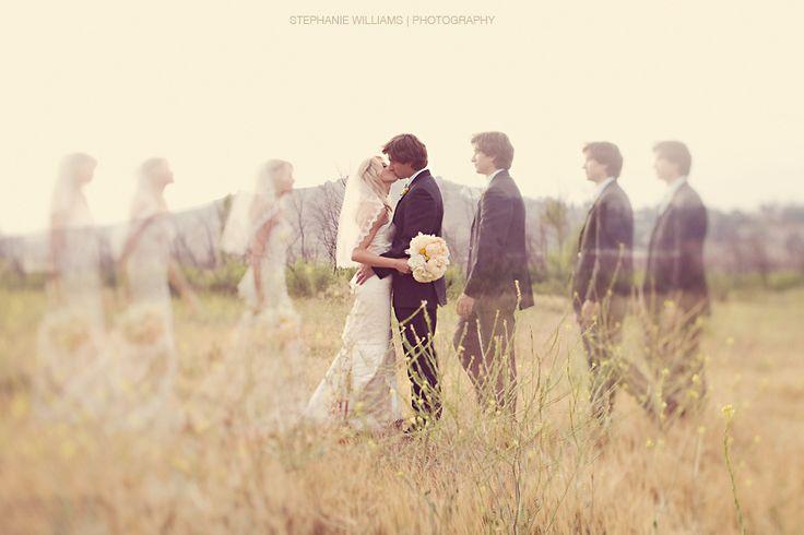 wow- amazing wedding photo!